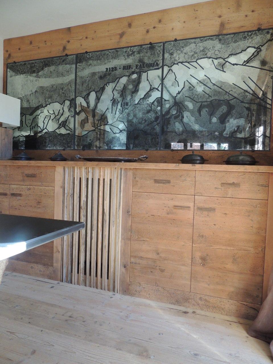 decori su parete in legno_falegnameria Bariza