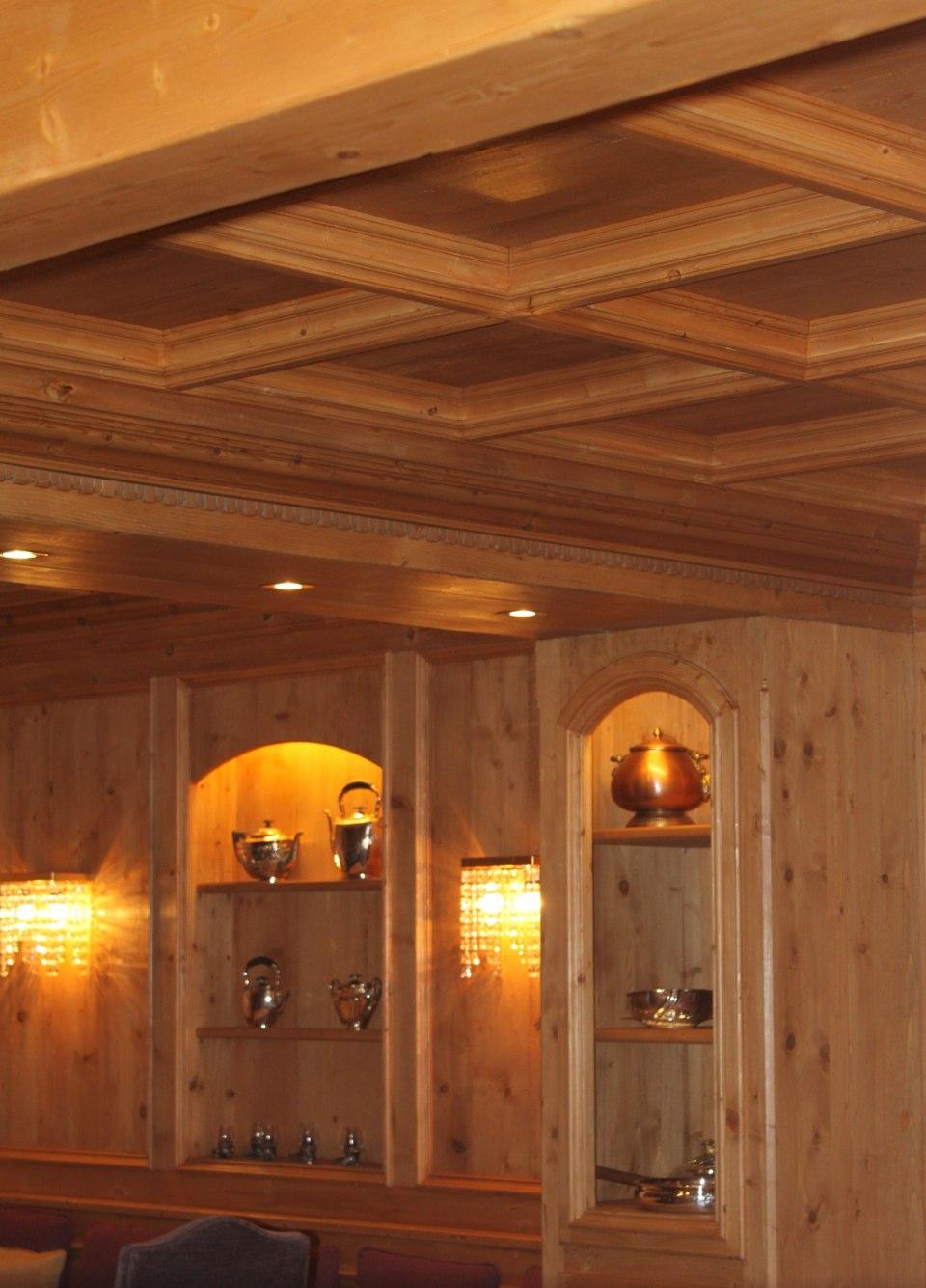 Living in legno con controsoffitto_falegnameria Bariza