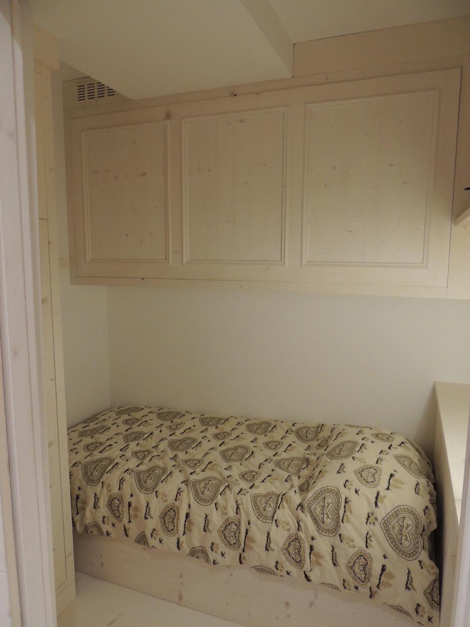 camera in legno romantica_falegnameria Bariza