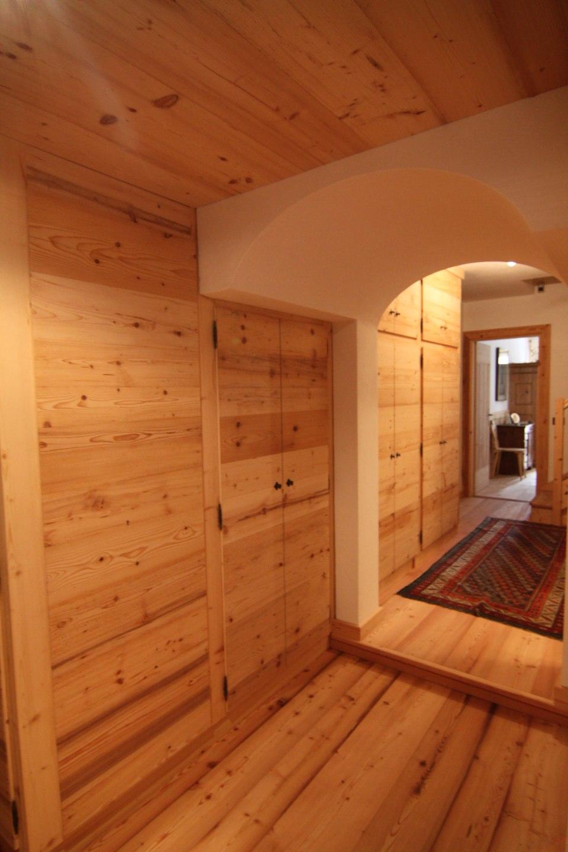 armadio su misura per corridoio_falegnameria Bariza