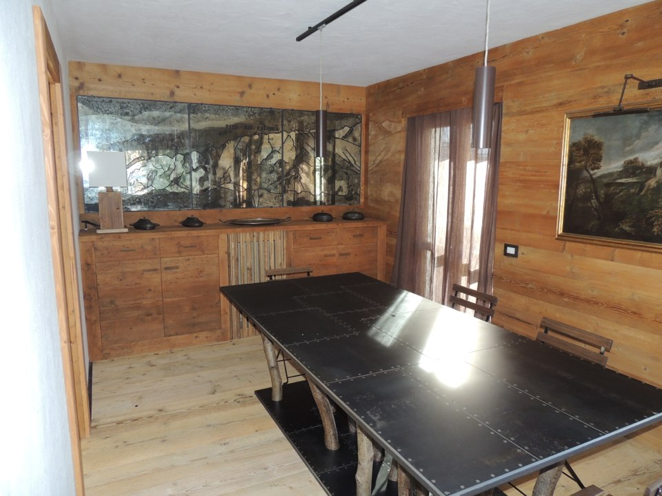tavolo per chalet di montagna_falegnameria Bariza