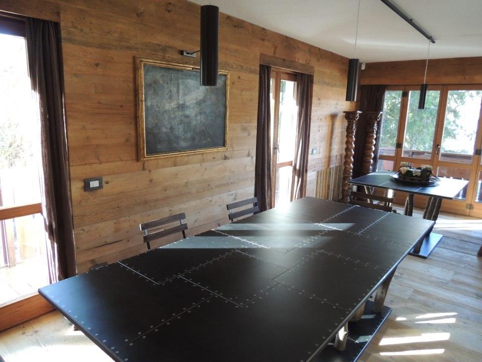 tavolo da pranzo di chalet di montagna_falegnameria Bariza