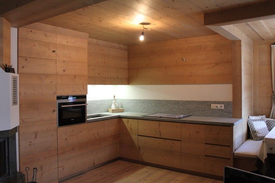 cucina lineare in legno_falegnameria Bariza