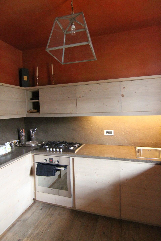 cucina su misura in legno_falegnameria Bariza