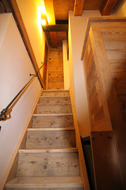 scale in legno e corrimano in ferro_falegnameria Bariza