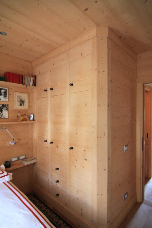 armadio in legno su misura_falegnameria Bariza