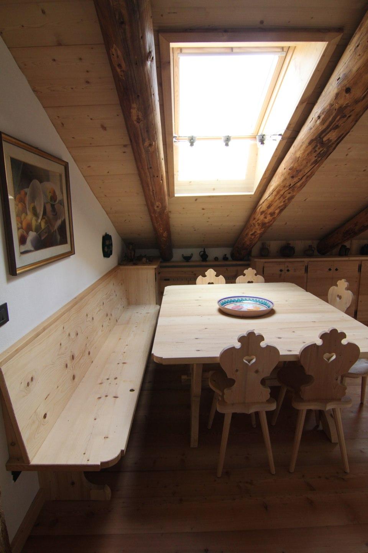 tavolo pranzo Chalet di montagna_falegnameria Bariza