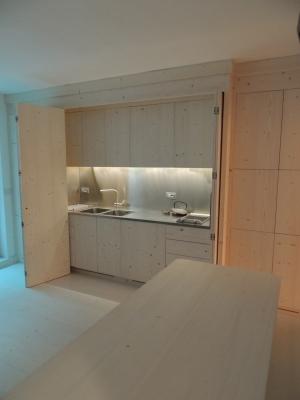 cucina a scomparsa in legno_falegnameria Bariza