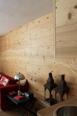 decoro di parete in legno_falegnameria Bariza