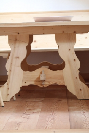 tavolo stile tirolese_falegnameria Bariza