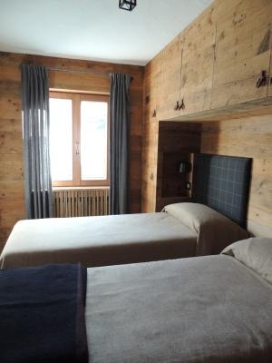 camera doppia in legno_Falegnameria Bariza