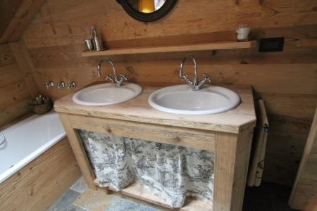 bagno in legno con lavandino tondo doppio_Falegnameria Bariza
