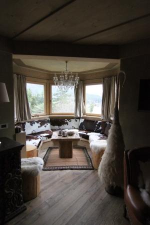 salotto Chalet di montagna_falegnameria Bariza