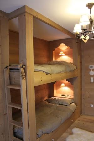 letto a castello con scala in legno_Falegnameria Bariza