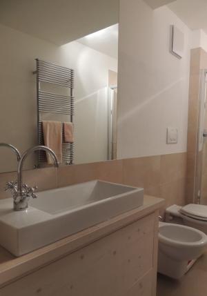 bagno in legno_Falegnameria Bariza