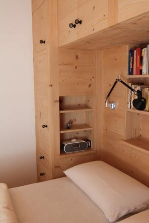 comodini per camera in legno su misura_Falegnameria Bariza